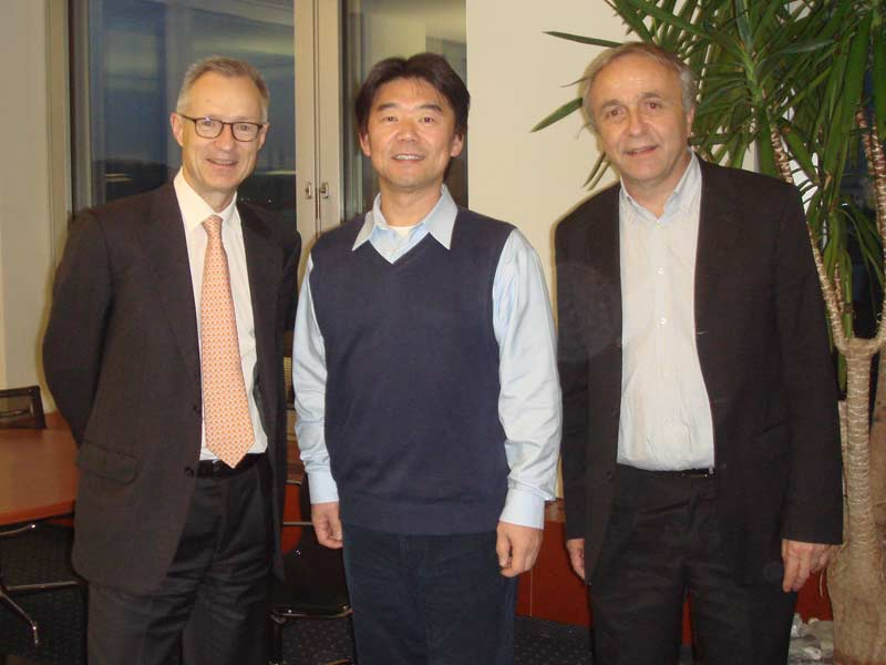Hiro with Prof. Dr. Bischoff, the President, and Prof. Dr. Urs Dursteler of HWZ