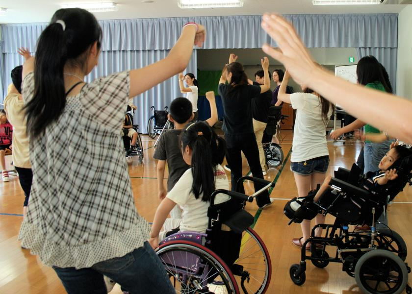 Doraemon Dance with Students